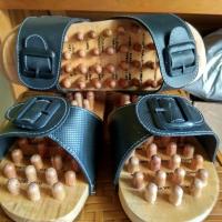Sandal Refleksi Kayu
