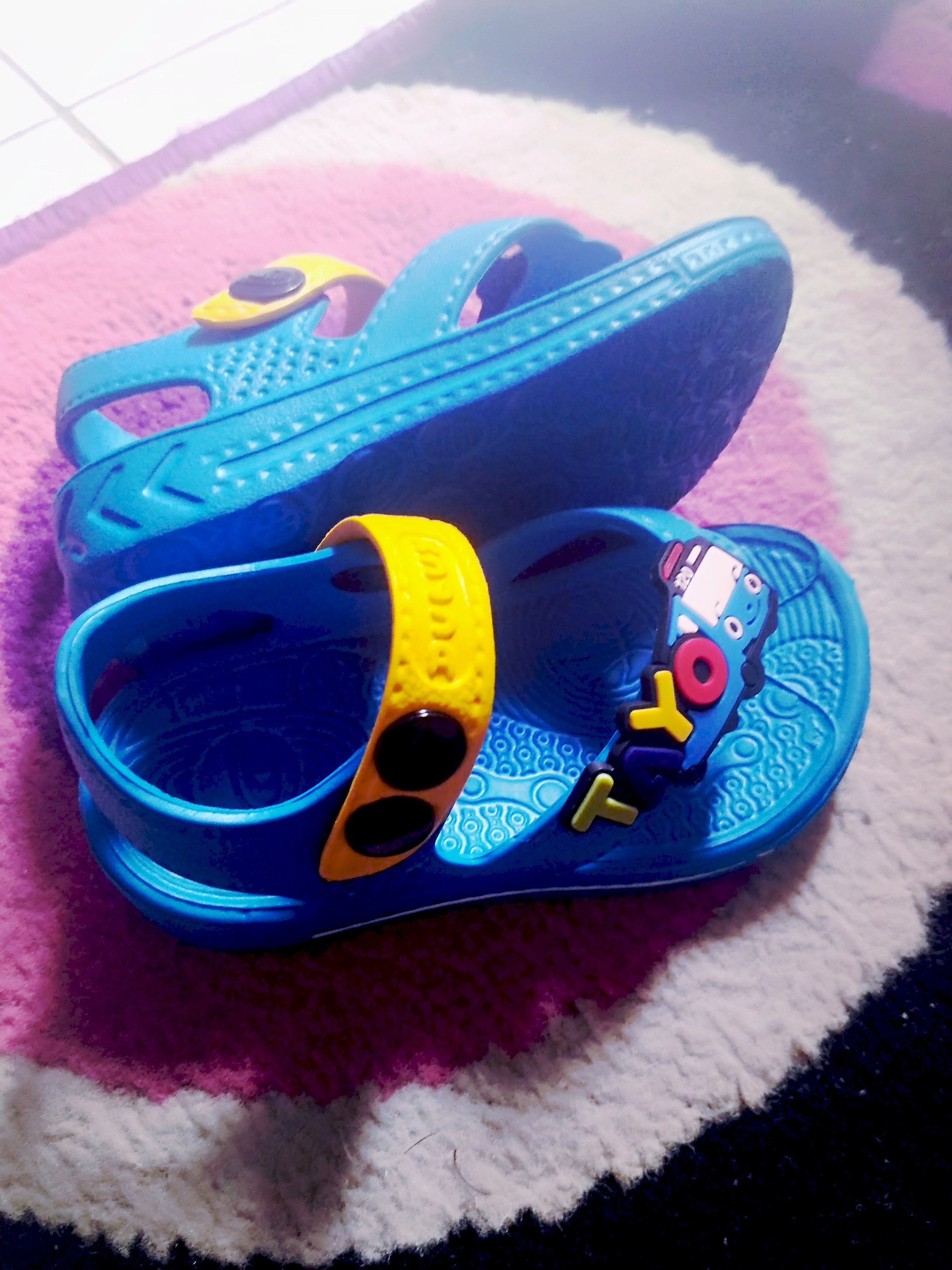 Sandal sepatu bayi Tayo